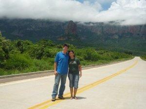Pastor Peniel e Mina na região de Chochis - Bolívia