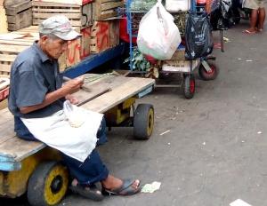 Carreteiro das feiras em Santa Cruz de la Sierra