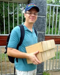 Pastor Peniel e os materiais da W. M. Press