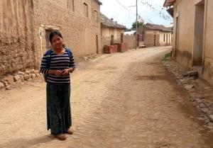 Irmã Gladys em um povoado de Cochabamba, Bolívia
