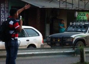 Irmão Nigel Mercado pregando nas ruas de Bolívia